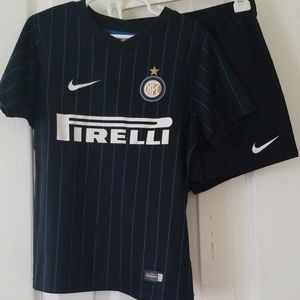 Authentic Nike Inter Milan youth jersey & shorts